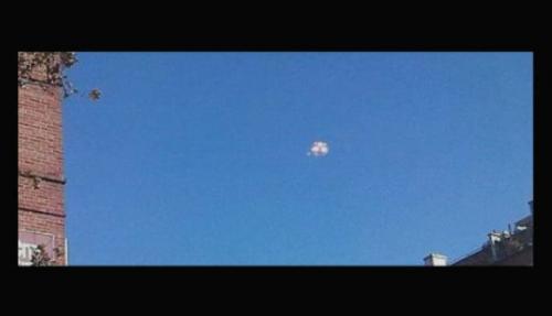 纽约天上UFO地下大爆炸 纯属巧合?!