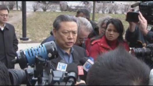 纽总领事彭克玉大使探望伤员 承诺提供一切帮助