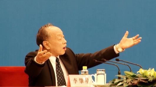 """两会探访—""""双非孕妇""""引热议 中国政府高度重视"""