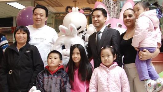 """复活节变""""儿童节"""" 飞龙广场成儿童乐园"""