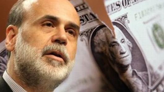 """""""印钞机""""欲罢工 美元贬值路在何方?走近美联储主席伯南克"""