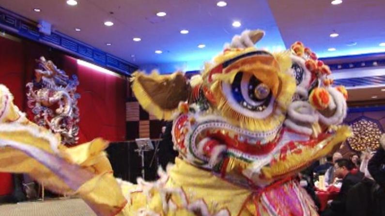 华埠迎春气氛浓 各社团举办迎春酒会