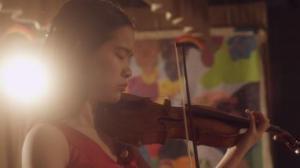 导演与小提琴家的碰撞 华裔女孩梦起航