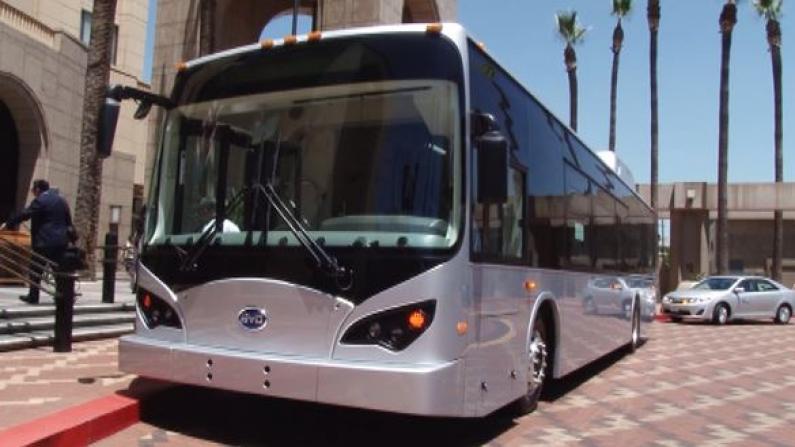 洛杉矶与比亚迪签约 购买25辆电动大巴