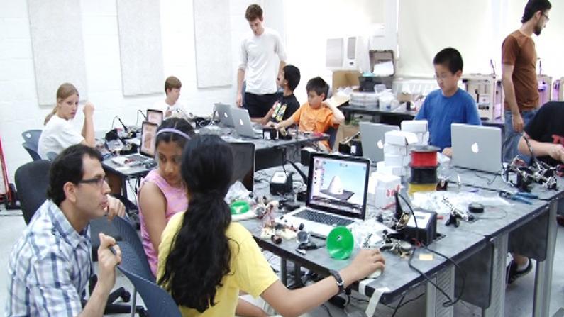 纽约大学暑期夏令营 让孩子们过把科学瘾