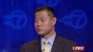 刘醇逸竞选基金被提问 称为自己的团队骄傲