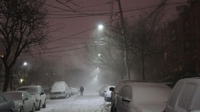 暴雪袭麻州 波士顿-纽约大巴今晚停驶