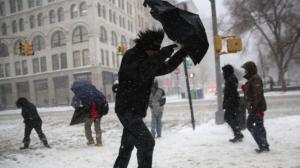 噩梦般暴雪北上 纽约发布今明两天危险交通提醒