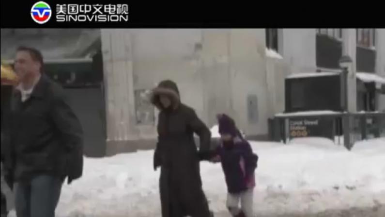 暴雪之后更危险!高楼冰块坠落成最大安全隐患