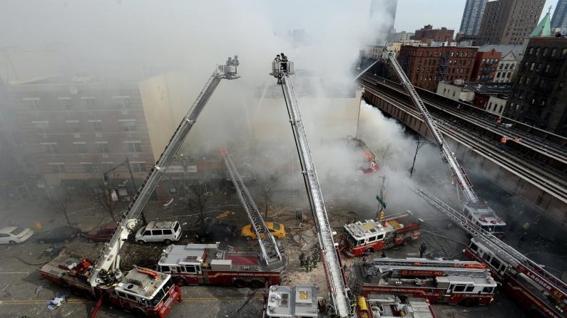 现场连线:纽约曼哈顿致命大爆炸 至少2死18伤