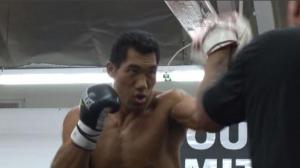"""中国巨人""""泰山""""拳击界显露光芒 金腰带是终极目标"""