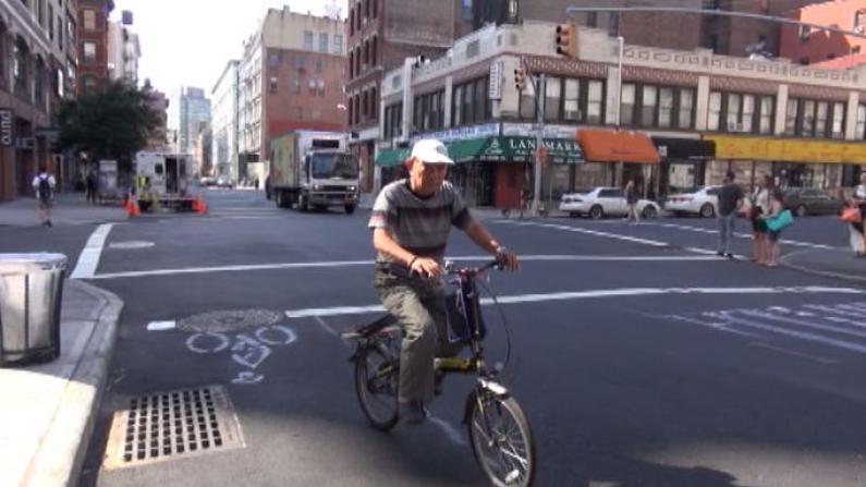 自行车道回归格兰街 行人安全是否有保障?