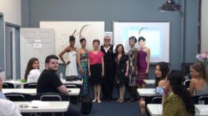 纽约时装学院师生共贺九周年 华裔设计师人才辈出