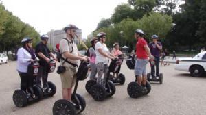 环保有趣 电动代步车风靡华盛顿景区