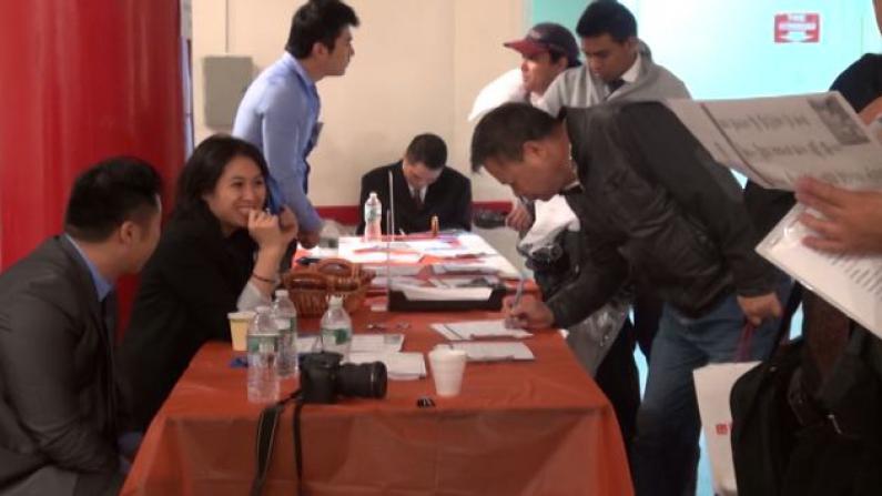 人力中心华埠办招聘会 吸引逾200华裔民众