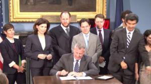 纽约市最高限速降至25迈法案 白思豪举办公听会