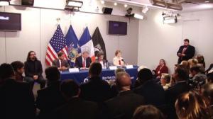 白思豪:埃博拉患者情况稳定 民众无须恐慌