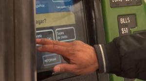 MTA确认明年3月起地铁票涨价4% 通勤族抱怨连连
