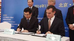 中美清洁技术企业签订合作协议 年底前中国企业进入洛杉矶清洁技术市场