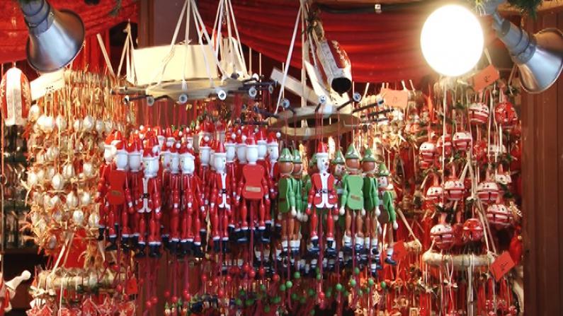 芝加哥戴利广场圣诞集市开放 展浓郁欧洲传统假日风情