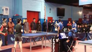 纽约华裔社区乒乓友谊赛 徐南山副总领事与众侨团交流球技