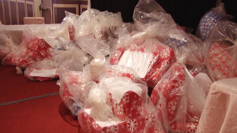 法拉盛华商会、109分局等主办圣诞会 200份礼物赠送社区低收入家庭孩童