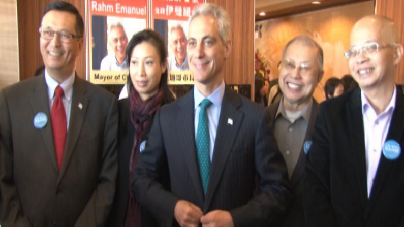 芝加哥市长竞选白热化 伊曼纽尔访华埠拜票