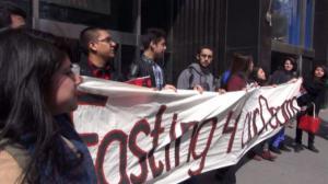 无证移民学生绝食抗议 要求州府预算纳入梦想法案