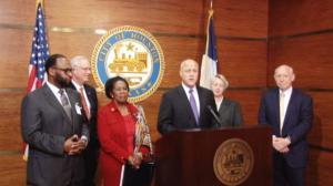 卡特里娜飓风十周年  新奥尔良市长访休斯敦感谢收留灾民