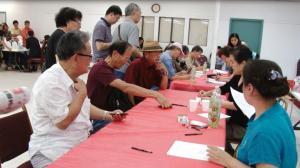 中国驻休斯敦总领馆现场办健在证明 方便快捷服务 近百人到场办理