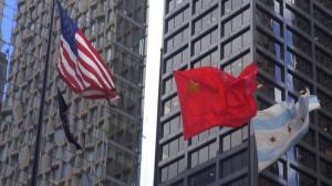 庆十一  芝加哥市中心升起中国国旗