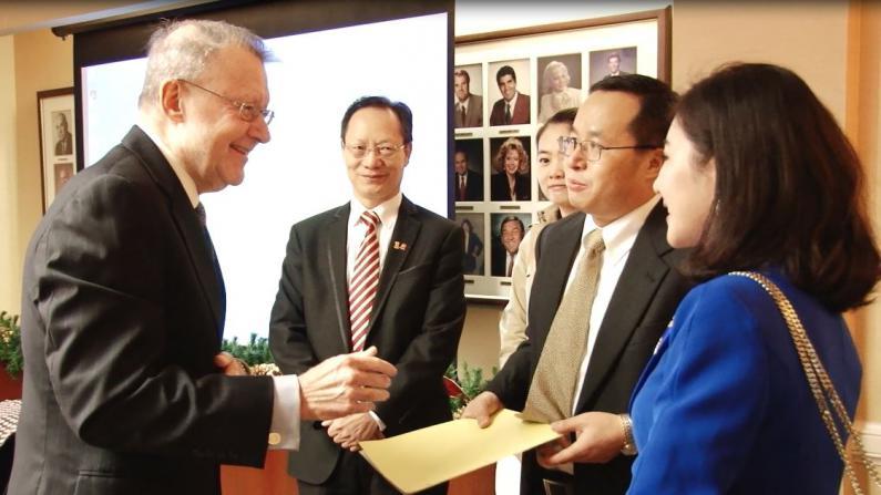 中国私人投资团休斯敦考察 寻找商业农业地产投资机会