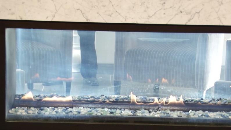 休斯敦消防局宣传节日防火安全 提醒民众警惕蜡烛圣诞树等起火