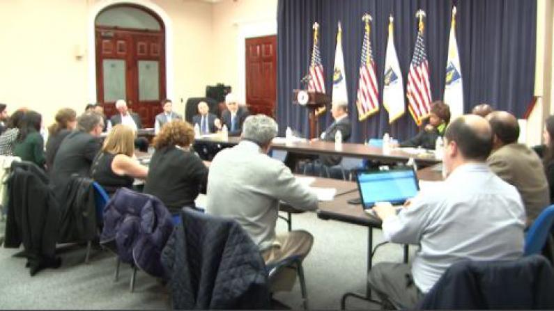 麻州州长召开少数族裔媒体圆桌会议  承诺保障公共安全