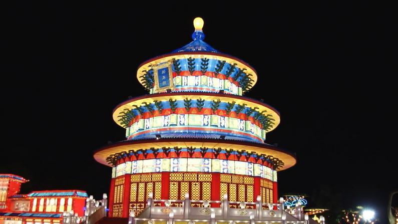 四川自贡彩灯展休斯敦亮相  130组彩灯讲述世界文化经典