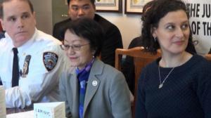 纽约市民卡受华裔欢迎  华埠孔子大厦添流动申请站