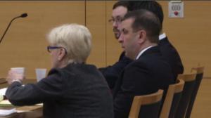梁彼得搭档不作为未被起诉   首次出庭作证遭辩方质问