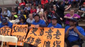 耆老人口飞涨预算却削减 陈倩雯带领数百名耆老抗议