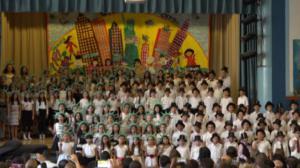 皇后区196小学举行毕业典礼 华裔学生成绩亮眼