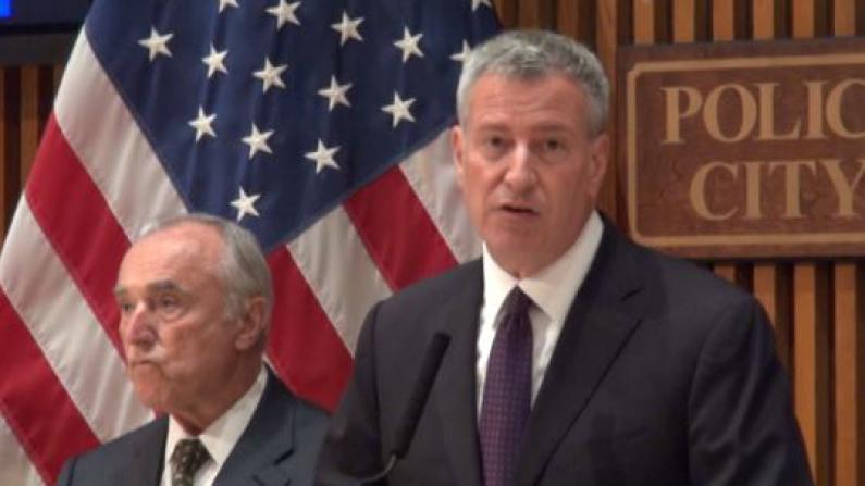 达拉斯枪案后 纽约市提高安全警备