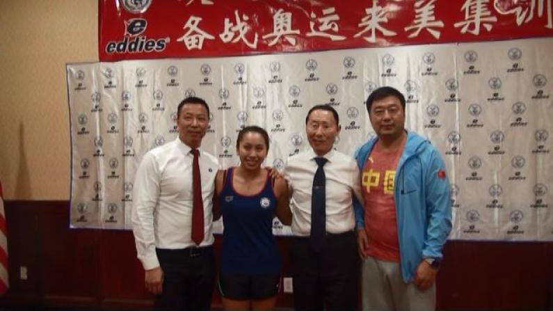 中国国家游泳队抵达纽约,备战里约奥运会