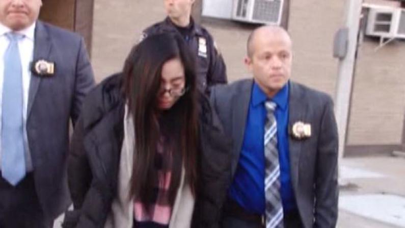 8大道女童溺毙案续审 法官驳回辩方撤诉动议 维持3项重罪指控