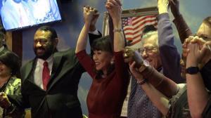 华裔一代移民如何赢得市议员职务?