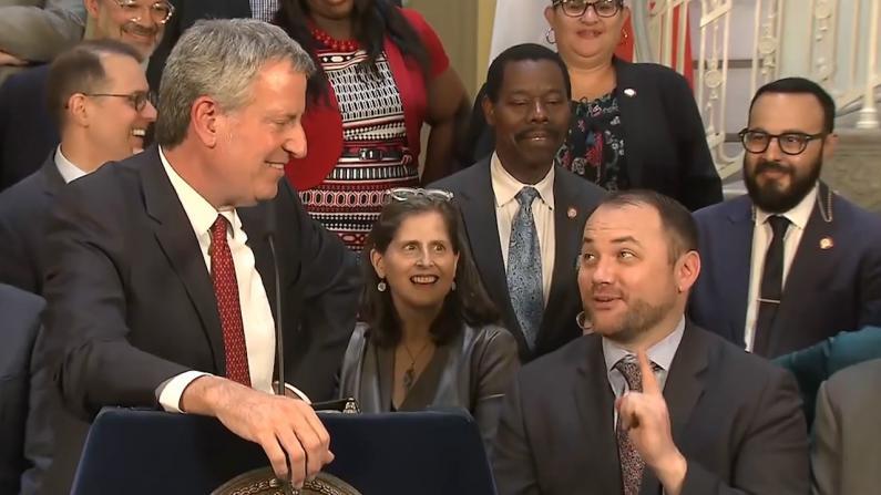 纽约救火车警笛声要换啦!市长说新笛声:没那么讨厌