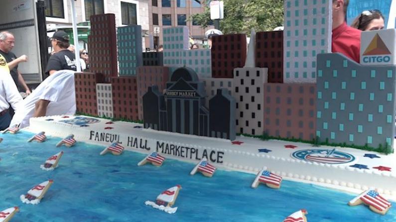 庆祝独立日 波士顿巨型蛋糕免费吃