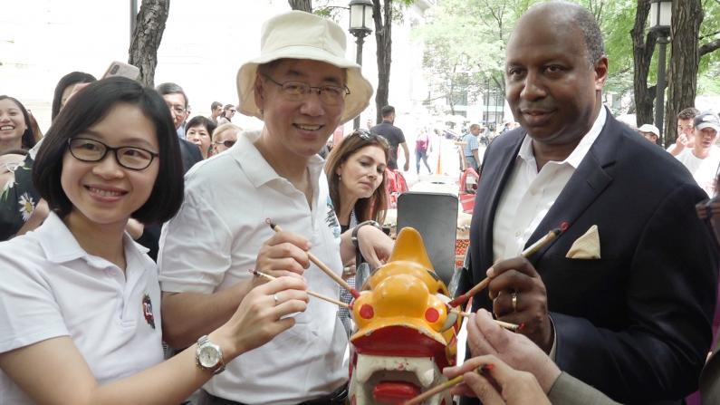 带你看香港龙舟节点睛、洒净仪式