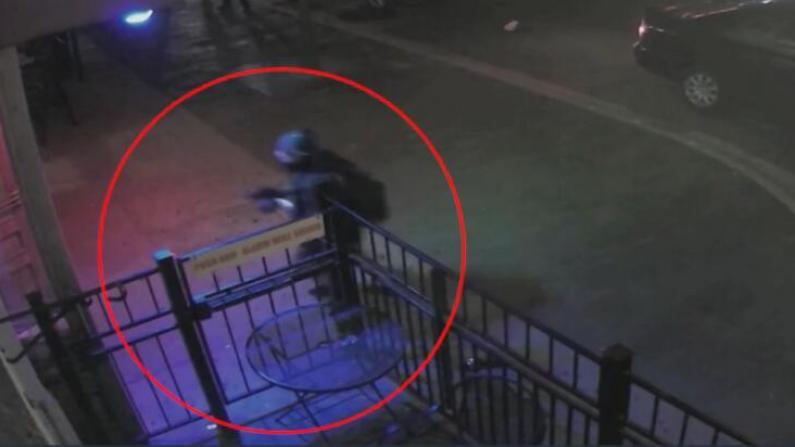 用时30秒 警方公布击毙代顿枪手画面