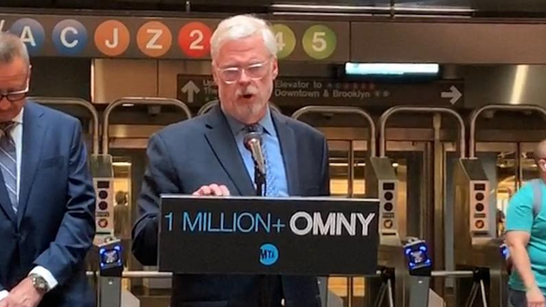 纽约地铁感应支付突破100万次 远超预期!