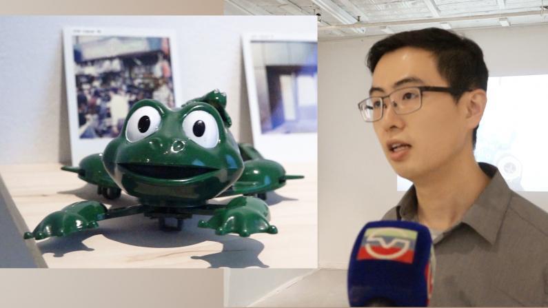 """玩具青蛙的""""退休计划"""" 装置作品体现纽约华埠生活"""