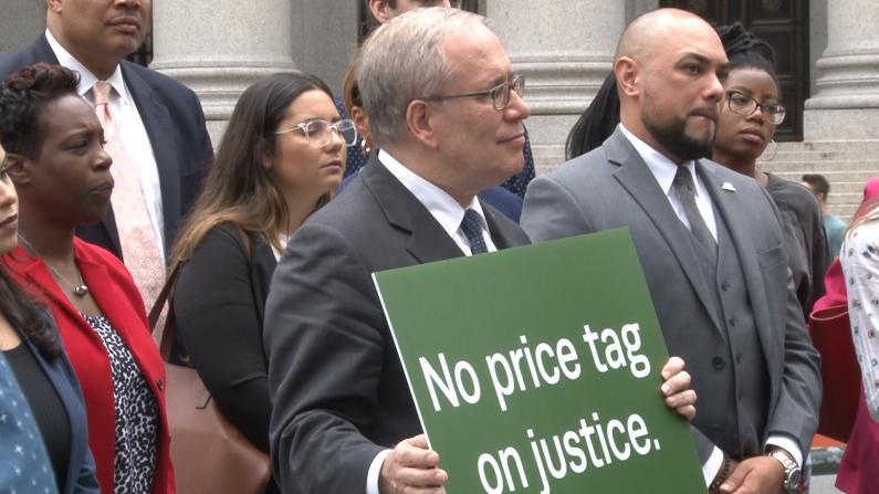 纽约入狱还要强制收费 主计长思静格: 自由不该用钱来买